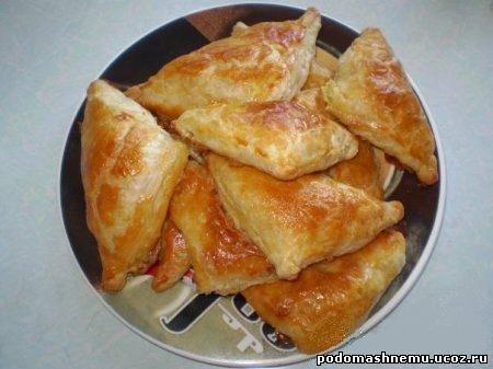 Слоёные пирожки с сыром